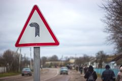 Εθνική οδός στροφής σημάτων ευθεία Στοκ Φωτογραφίες
