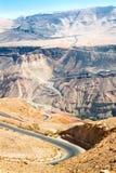 Εθνική οδός Curvy με το τοπίο βουνών, Ιορδανία. Στοκ Εικόνες