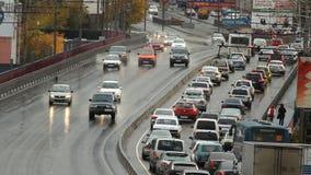 Εθνική οδός, αυτοκινητόδρομος, κυκλοφορία αυτοκινήτων απόθεμα βίντεο