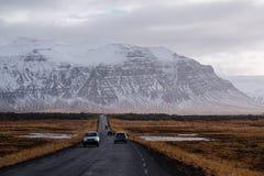 Εθνική οδός που εξωραΐζεται, οδικό ταξίδι στην εθνική οδό στην Ισλανδία Στοκ Φωτογραφία