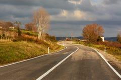 Εθνική οδός που περνά μέσω των αγροτικών ares Στοκ εικόνες με δικαίωμα ελεύθερης χρήσης