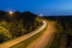 Εθνική οδός Bendy τη νύχτα Στοκ φωτογραφία με δικαίωμα ελεύθερης χρήσης