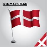 Εθνική σημαία σημαιών της ΔΑΝΙΑΣ της ΔΑΝΙΑΣ σε έναν πόλο διανυσματική απεικόνιση