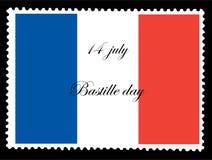 Εθνική σημαία της Γαλλίας στο ταχυδρομημένο γραμματόσημο που απομονώνεται στο μαύρο υπόβαθρο με την ημέρα Bastille στις 14 Ιουλίο ελεύθερη απεικόνιση δικαιώματος