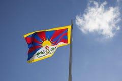 Εθνική σημαία του Θιβέτ σε ένα κοντάρι σημαίας Στοκ φωτογραφία με δικαίωμα ελεύθερης χρήσης