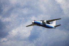 Εθνικός αερολιμένας του Μινσκ, Μινσκ, Λευκορωσία - 6 Μαΐου 2016: Antonov Α Στοκ Εικόνες