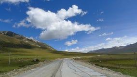 Εθνικός δρόμος No.318 στην Κίνα, ο τρόπος σε Lhasa, Θιβέτ, Κίνα Στοκ Εικόνες