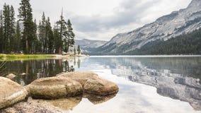 Εθνικό πάρκο Καλιφόρνια ΗΠΑ Yosemite λιμνών Tioga Στοκ εικόνα με δικαίωμα ελεύθερης χρήσης