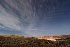 Εθνικό πάρκο κοιλάδων θανάτου στη νύχτα στοκ εικόνα