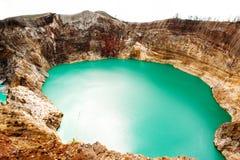 Εθνικό πάρκο Kelimutu στην Ινδονησία Χρωματισμένες λίμνες στον κρατήρα ηφαιστείων Kelimutu, Flores Στοκ Φωτογραφία