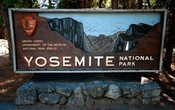 Εθνικό πάρκο Yosemite σημαδιών Entrence Στοκ Εικόνα