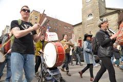 Εθνικό σημάδι εκμετάλλευσης διαμαρτυρομένων σπουδαστών σχολικής απεργίας Στοκ φωτογραφία με δικαίωμα ελεύθερης χρήσης