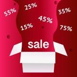 Ειδικό σύμβολο έκπτωσης πώλησης προσφοράς με τις ανοικτές ετικέτες δώρων και ροής που απομονώνονται στο ανοικτό κόκκινο υπόβαθρο  διανυσματική απεικόνιση