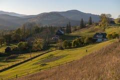 Ειδυλλιακή άποψη των Καρπάθιων βουνών στοκ εικόνα με δικαίωμα ελεύθερης χρήσης