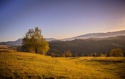 Ειδυλλιακή άποψη των Καρπάθιων βουνών στοκ φωτογραφία με δικαίωμα ελεύθερης χρήσης