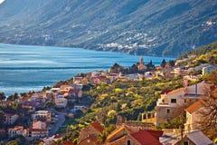 Ειδυλλιακή παράκτια του χωριού άποψη riviera Makarska στοκ εικόνες με δικαίωμα ελεύθερης χρήσης