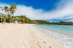 Ειδυλλιακή παραλία στις Καραϊβικές Θάλασσες Στοκ φωτογραφίες με δικαίωμα ελεύθερης χρήσης