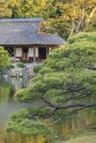 Ειδυλλιακός κήπος στην Ιαπωνία στοκ εικόνες