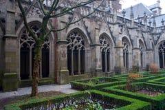 Ειδυλλιακός κήπος της Ουτρέχτης στον καθεδρικό ναό στοκ φωτογραφίες με δικαίωμα ελεύθερης χρήσης