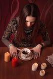 Εικασίες κοριτσιών στο τσάι Στοκ Εικόνα