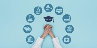 Εικονίδια πανεπιστημίου και εκπαίδευσης στοκ φωτογραφίες με δικαίωμα ελεύθερης χρήσης