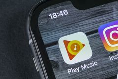 Εικονίδιο εφαρμογής μουσικής παιχνιδιού Google στο iPhone Χ της Apple κινηματογράφηση σε πρώτο πλάνο οθόνης App παιχνιδιού Google Στοκ φωτογραφία με δικαίωμα ελεύθερης χρήσης