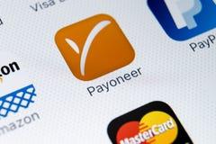 Εικονίδιο εφαρμογής Payoneer στο iPhone Χ της Apple κινηματογράφηση σε πρώτο πλάνο οθόνης smartphone App Payoneer εικονίδιο Το Pa Στοκ φωτογραφίες με δικαίωμα ελεύθερης χρήσης