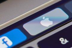 Εικονίδιο της Apple στο φραγμό αφής Στοκ εικόνα με δικαίωμα ελεύθερης χρήσης