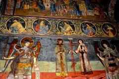 Εικονίδια μέσα στην ενισχυμένη μεσαιωνική εκκλησία Biertan, Τρανσυλβανία Στοκ φωτογραφία με δικαίωμα ελεύθερης χρήσης