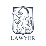 Εικονίδιο ή έμβλημα δικηγόρων με το εραλδικό λιοντάρι Στοκ εικόνες με δικαίωμα ελεύθερης χρήσης