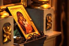 Εικονίδιο εκκλησιών της μητέρας του Θεού (Mary) και του παιδιού (Ιησούς Χριστός) sym Στοκ Φωτογραφίες
