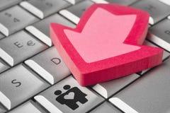 Εικονίδιο ζεύγους σε ένα πληκτρολόγιο υπολογιστών Ημερομηνία on-line σχέση Στοκ φωτογραφίες με δικαίωμα ελεύθερης χρήσης