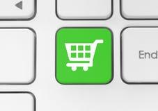 Εικονίδιο κάρρων αγορών στο πράσινο κουμπί πληκτρολογίων διανυσματική απεικόνιση