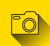Εικονίδιο καμερών πέρα από το κίτρινο υπόβαθρο Στοκ Εικόνες