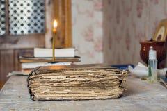 Εικονίδιο κεριών βιβλίων Στοκ φωτογραφία με δικαίωμα ελεύθερης χρήσης