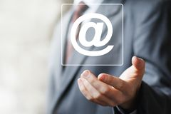 Εικονίδιο ταχυδρομείου μηνυμάτων Ιστού επιχειρησιακών κουμπιών που στέλνει το σημάδι Στοκ Εικόνα