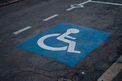 Εικονίδιο χώρων στάθμευσης Handicaped στοκ φωτογραφίες