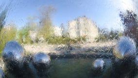 Εικονική παράσταση πόλης αντανάκλασης στο νερό, αφηρημένο υπόβαθρο, σχήμα εμβλημάτων 16x9 Στοκ Φωτογραφία