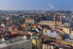 Εικονική παράσταση πόλης με τη μεγάλα συναγωγή και το εργοστάσιο Skoda, Plzen Στοκ Εικόνες