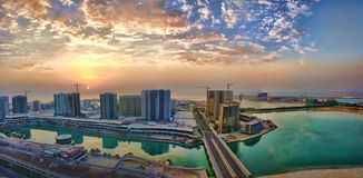 Εικονική παράσταση πόλης σε μια από τις νεώτερες πόλεις στο Μπαχρέιν στοκ εικόνες