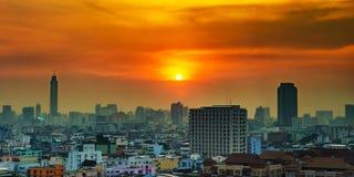 Εικονική παράσταση πόλης στο στο κέντρο της πόλης της Μπανγκόκ από την υψηλή άποψη στοκ εικόνες