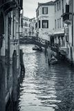 Εικονική παράσταση πόλης της Βενετίας, στενό κανάλι νερού και παραδοσιακά κτήρια Στοκ εικόνες με δικαίωμα ελεύθερης χρήσης
