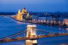 Εικονική παράσταση πόλης της Βουδαπέστης τη νύχτα Στοκ φωτογραφίες με δικαίωμα ελεύθερης χρήσης