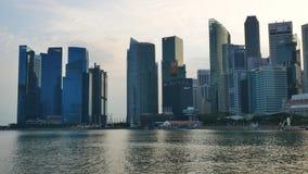 Εικονική παράσταση πόλης της Σιγκαπούρης το βράδυ απόθεμα βίντεο