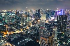 Εικονική παράσταση πόλης τη νύχτα Μπανγκόκ Ταϊλάνδη στοκ φωτογραφία με δικαίωμα ελεύθερης χρήσης