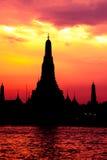 Εικονική παράσταση πόλης του ναού Wat Arun dusk Στοκ Εικόνες
