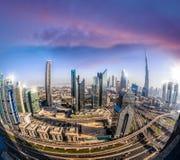 Εικονική παράσταση πόλης του Ντουμπάι με τη σύγχρονη φουτουριστική αρχιτεκτονική, Ηνωμένα Αραβικά Εμιράτα Στοκ εικόνες με δικαίωμα ελεύθερης χρήσης