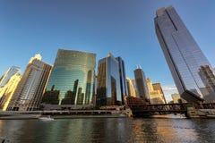Εικονική παράσταση πόλης του Σικάγου κεντρικός στο ηλιοβασίλεμα στοκ εικόνες