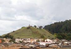 Εικονική παράσταση πόλης Popayan με Morro de Tulcà ¡ ν, Cauca, Κολομβία Στοκ Εικόνες