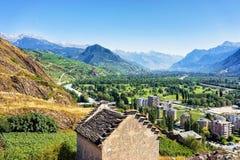 Εικονική παράσταση πόλης Sion στις Άλπεις κύριο Valais Ελβετός Bernese κοιλάδων Ροδανού Στοκ Εικόνες